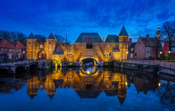 Картинка отражение, река, замок, ворота, Нидерланды, ночной город, Netherlands, Амерсфорт, Коппельпорт, Amersfoort, Koppelpoort, Eem River, Река …