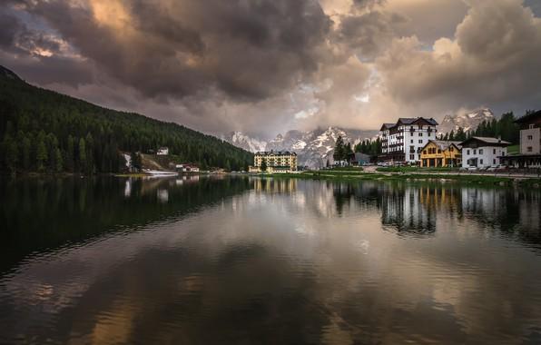 Картинка пейзаж, горы, природа, озеро, отражение, рассвет, утро, деревня, Италия, курорт, Доломиты, Мизурина, Misurina