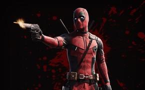 Картинка пистолет, оружие, фон, фантастика, кровь, выстрел, пуля, маска, костюм, Райан Рейнольдс, Ryan Reynolds, Deadpool, Дэдпул, ...