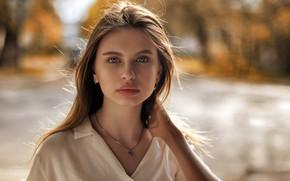 Картинка взгляд, фон, модель, портрет, макияж, прическа, шатенка, красотка, боке, Konstantin Dmitrievich, Polina Gorpenko