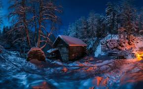 Картинка зима, лес, снег, деревья, ночь, избушка, хижина, костёр, Финляндия, Finland, Myllykoski