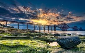 Картинка закат, мост, побережье, камень, Шотландия, залив, Scotland, Forth Bridge, Форт-Бридж, Залив Ферт-оф-Форт, Firth of Forth