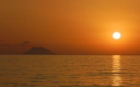 Картинка солнце, закат, остров, вулкан, Италия, Стромболи