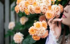 Картинка девушка, мечты, цветы, задумчивость, настроение, рука, розы, азиатка, ногти, мечтательность