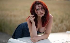 Картинка машина, грудь, поза, волосы, Девушка, платье, рыжая, Guenter Stoehr