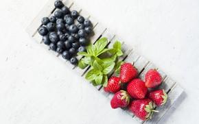 Картинка ягоды, черника, клубника, мята, спелые