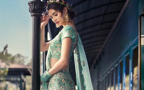 Картинка girl, fashion, eyes, smile, beautiful, figure, model, pretty, beauty, lips, face, hair, pose, cute, indian, …