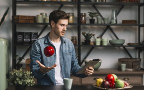 Картинка взгляд, дом, комната, яблоко, кухня, мужчина, фрукты, планшет