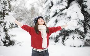 Картинка зима, взгляд, снег, деревья, поза, шапка, Девушка, руки, тату, перчатки, Юлия Сказка
