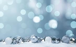 Картинка зима, шарики, снег, снежинки, блики, фон, праздник, голубой, шары, Рождество, Новый год, белые, хвоя, боке, …