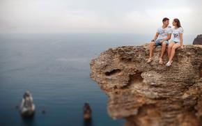 Картинка море, взгляд, девушка, скала, высота, пара, парень, влюбленные, Николай Новиков, Nikolay Novikov