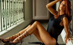 Картинка legs, woman, model, redhead, hair, pose, clothing, shoe, necklace, natural, thin, runner, Renatta Gabriela