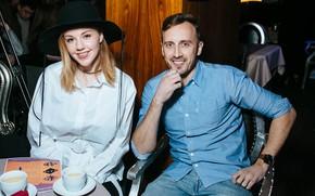 Картинка девушка, улыбка, кофе, пара, мужчина, певица, влюбленные, Юлианна Караулова