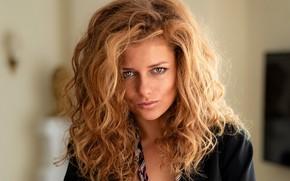 Картинка взгляд, поза, модель, волосы, Девушка, блондинка, кудри, Юлия Ярошенко, Chris Bos
