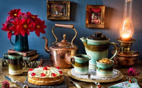 Картинка цветы, стиль, книги, лампа, букет, чайник, нож, кружка, картины, торт, сахар, вилка, натюрморт, ложки, георгины, …