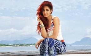Картинка girl, eyes, smile, beautiful, model, lips, face, hair, pose, indian, actress, bollywood, makeup, Katrina kaif