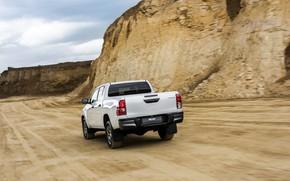 Картинка белый, движение, сзади, Toyota, кузов, пикап, Hilux, Special Edition, карьер, 2019