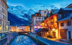 Картинка зима, горы, город, Франция, дома, вечер, освещение, канал, Chamonix-Mont-Blanc, Шамони-Мон-Блан