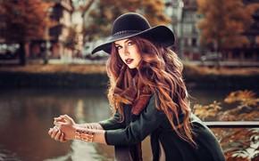 Картинка шляпа, поза, взгляд, кардиган, Lods Franck, красотка, волосы, осень, девушка, фото, Melissa, модель