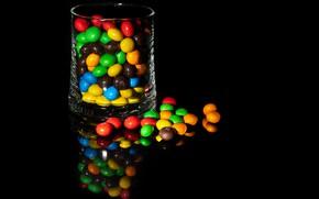 Картинка dark, glass, reflection, Colors, Sweet food, chocolate lentils