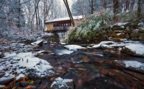 Картинка осень, снег, деревья, мост, река, New Hampshire, Нью-Хэмпшир, Гилфорд, Gilford, Tannery Hill Covered Bridge, Река …