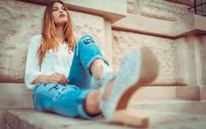 Картинка взгляд, девушка, фото, джинсы, блузка, Laura Z, Marco Squassina