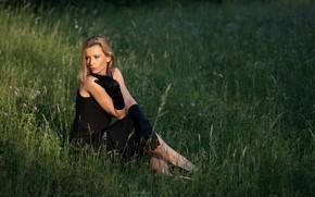Картинка трава, взгляд, девушка, поза, платье, красивая, Martin Ecker, Therese