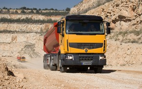 Картинка оранжевый, растительность, грузовик, Renault, кузов, тягач, карьер, полуприцеп, Premium Lander, Renault Trucks