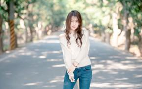 Картинка girl, long hair, trees, brown hair, brown eyes, photo, photographer, model, street, lips, jeans, brunette, …