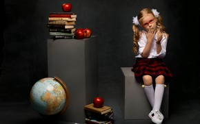 Картинка девочка, ребёнок, книги, кеды, школьница, глобус, учебники, бантики, гольфы, хвостики, ученица, юбка, очки, яблоки, Анна …