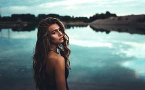 Картинка взгляд, девушка, природа, поза, река, волосы, вечер, плечо, anna, D. G Photography