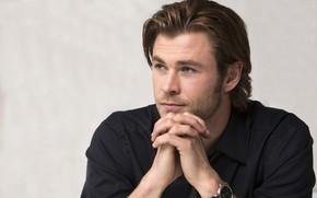 Картинка взгляд, руки, мужчина, Chris Hemsworth