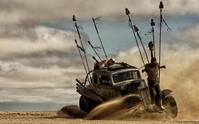 Картинка песок, машина, актёр, Том Харди, Tom Hardy, Mad Max: Fury Road