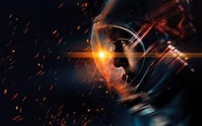 Картинка скафандр, искры, черный фон, постер, астронавт, Neil Armstrong, Ryan Gosling, Райан Гослинг, биография, First Man, …