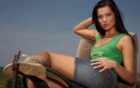 Картинка Brunette, Model, Woman, Jeans, Hair, Shorts
