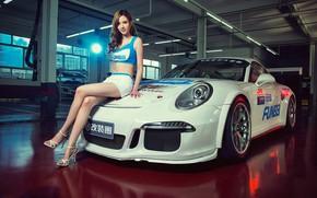 Картинка взгляд, Девушки, Porsche, красивая девушка, белый авто, сидит на капоте
