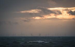 Картинка море, туман, ветряки