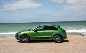 Картинка песок, море, небо, облака, берег, Porsche, внедорожник, Turbo, кроссовер, Macan, Porsche Macan, 2020, Porsche Macan …