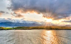 Картинка волны, небо, солнце, облака, лучи, свет, горы, тучи, туман, дом, рассвет, берег, склоны, вид, утро, …