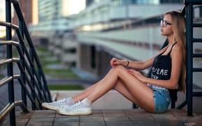 Картинка girl, shorts, long hair, legs, photo, photographer, model, fence, bokeh, lips, face, blonde, sitting, socks, …