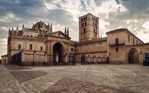 Обои небо, облака, площадь, церковь, храм, Испания, Catedral de Zamora