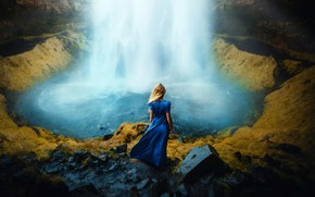 Картинка девушка, ветер, волосы, спина, водопад, платье