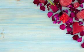 Картинка подарок, сердце, розы, лепестки, красные, red, love, heart, wood, flowers, romantic, valentine's day, petals, roses, …