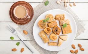 Картинка кофе, тарелка, чашка, сладости, орехи, пахлава