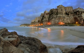 Картинка Tropea, clouds, sea, village, lights, cliff, Calabria, sky, Italy, landscape