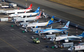 Картинка Самолет, Лайнер, Boeing, Стоянка, Boeing 737, Авиалайнер, American Airlines, МАУ, Ukraine International Airlines, Turkish Airlines, …