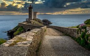 Картинка дорога, море, пейзаж, тучи, мост, скала, камни, берег, Франция, маяк, Бретань, Phare du Petit Minou