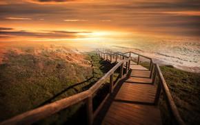 Картинка море, волны, небо, облака, свет, закат, рассвет, берег, спуск, холм, лестница, прибой, ступени, деревянная