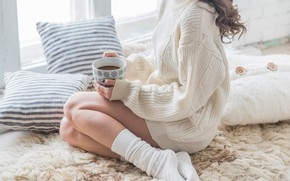 Картинка legs, woman, winter, coat, interior, coffee