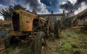 Картинка колёса, ржа, старый трактор